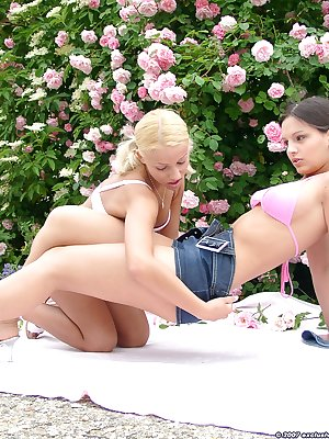 2 hot lesbians getting busy in the garden