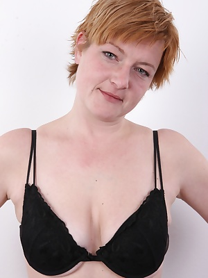 This Czech mommy is totally original. An amateur psychologist with unconventional attitude. Her confession is worth listening. Wait for her frolicking with the cameraman. Iva will serve you a couple of nice treats. This Czech amateur doesn't shave he