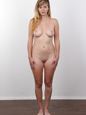 A massive squirt!!! She was flooding the studio within 30 seconds!!! One of the golden moments of Czechcasting! A lovely busty blonde is a miraculous girl. She has no limits when it comes to sex. She enjoys her casual sex excesses and loves butt fucking.
