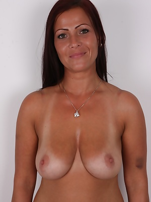 Czech babes are the best in the world. And their queens are MILFs. Single moms, well-behaved wives or solo riders. Just pick what you like! They're all around here. We picked Petra for you, a busty black-haired beauty. This single mommy is brilliant.