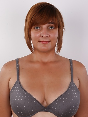 Lenka is everything but a normal Czech chick. This authentic 30-year-old chick will show you how unusual she it. You'll love her. I bet you will. Especially those who love chubby women. Lenka looks like a luscious idol of prehistoric hunters. A symbo