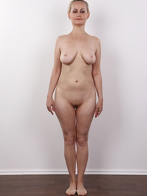 Guys, this is a true challenge! A 40-year-old lady with breath-taking jugs. Pretty and intelligent. And single! She is not dating anyone, and she's totally horny. Andrea has not fucked for eternity. The hard cock of our cameraman attracted her like a