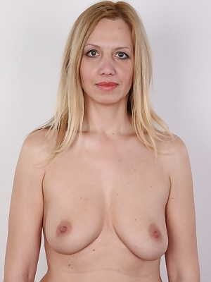 Rounded smooth shapes. A juicy ass you can grab firmly or spank. A tall figure. A flood of blond hair and a bright smile. Sweet 33 years. These are all assets of Dita, a star of this episode of the most popular casting on Earth. A seasoned photo model who