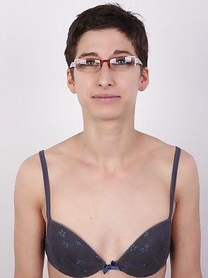 Here we are with a brand new, never seen Czech amateur! The most popular casting ever is back to claim its first place! This time you can pleasure your senses by looking at the athletic body of Eva. She looks amazing with the short cut and glasses, doesn'