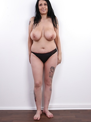 Today's CzechCasting is really juicy. Admirers of experienced women and boob experts are going to enjoy this one. Andrea, a thirty five year old brunette from Liberec, has the looks of an Egyptian queen. During the interview, she told us she used to be a