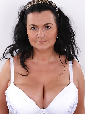 Do you like mature women? Well, we have something for you then. Lucie, a woman in the best years will show you why experienced woman will always be better than a young nestling. Lucie already has some experience, she used to film porn, took a break and no