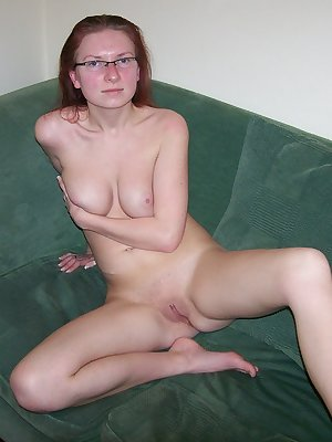 Nerdy busty chick gives awesome head