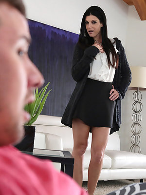 Jessy Jones is enjoying some time to himself when his stepmom India Summer walks in on him masturbating to loud porn. When India tries to talk about it, Jessy confesses his concerns about whether size matters and his ability to please his girlfriend Alli
